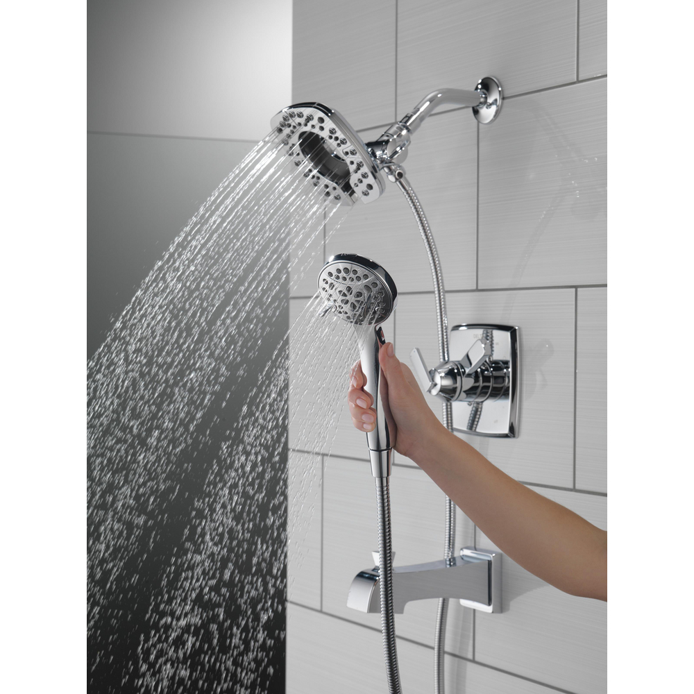 T17464-I_MODEL_WATER_05_WEB.jpg