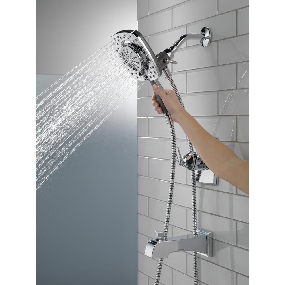 T17464-I_WATER_MODEL_HAND_01_WEB.jpg